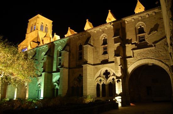 Abbaye de La Chaise-Dieu - de nuit
