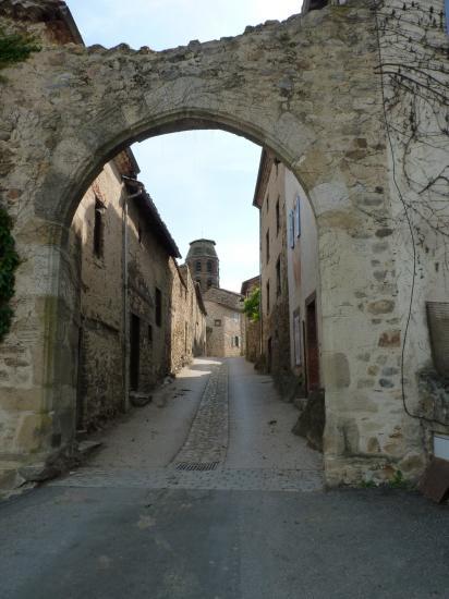 Entrée du village de Lavaudieu